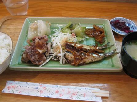 500円定食屋~~☆_a0125419_2084668.jpg