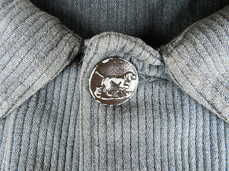 french hunting jacket with animal buttons_f0226051_1252871.jpg