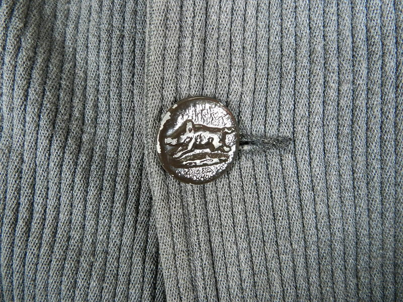 french hunting jacket with animal buttons_f0226051_1253224.jpg