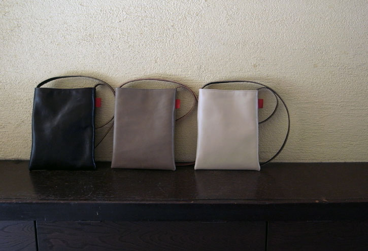 "革shibaf 第一弾、passport bag ""leather\""_e0243765_10565893.jpg"