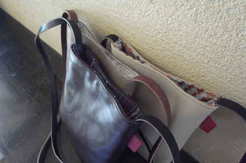 "革shibaf 第一弾、passport bag ""leather\""_e0243765_11111321.jpg"