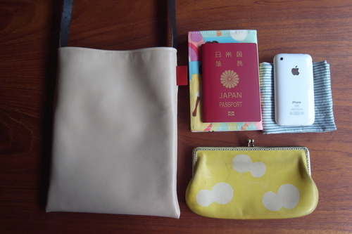"革shibaf 第一弾、passport bag ""leather\""_e0243765_1145847.jpg"