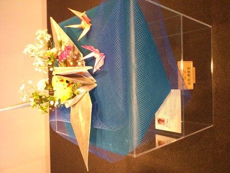 シルバーと花の展覧会より_b0106766_1711649.jpg
