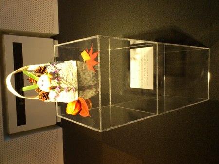 シルバーと花の展覧会より_b0106766_1744347.jpg