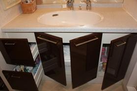 ・洗面台下の収納。_d0245268_10274828.jpg