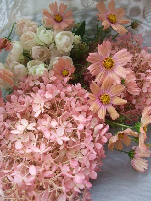 オークリーフ(秋色みなずきとコスモスの花束)_f0049672_1617279.jpg