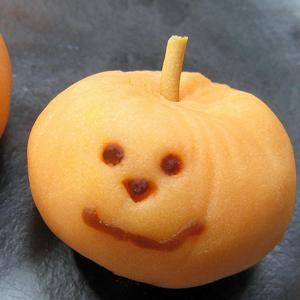明日は十三夜♪ハロウィンの和菓子も販売開始♪_e0092594_1159288.jpg