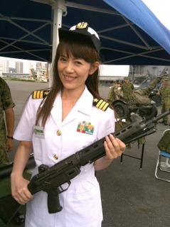 護衛艦「さわゆき」の1日艦長の写真。_a0087471_1763676.jpg