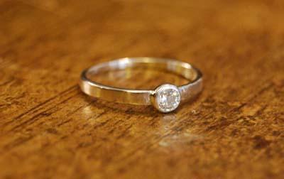 ダイヤモンド・リング_f0155891_1941441.jpg