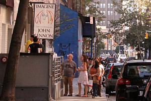 ジョン・レノンさん71回目のお誕生日記念でニューヨークに特別ギャラリー期間限定オープン!!!_b0007805_1014239.jpg