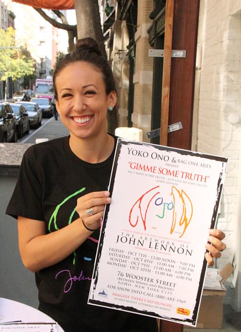 ジョン・レノンさん71回目のお誕生日記念でニューヨークに特別ギャラリー期間限定オープン!!!_b0007805_1025081.jpg