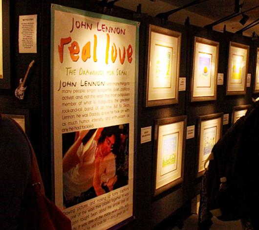 ジョン・レノンさん71回目のお誕生日記念でニューヨークに特別ギャラリー期間限定オープン!!!_b0007805_102686.jpg