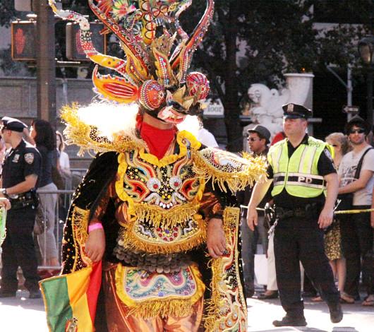 ニューヨーク・ヒスパニック・デー・パレードに遭遇_b0007805_13343712.jpg