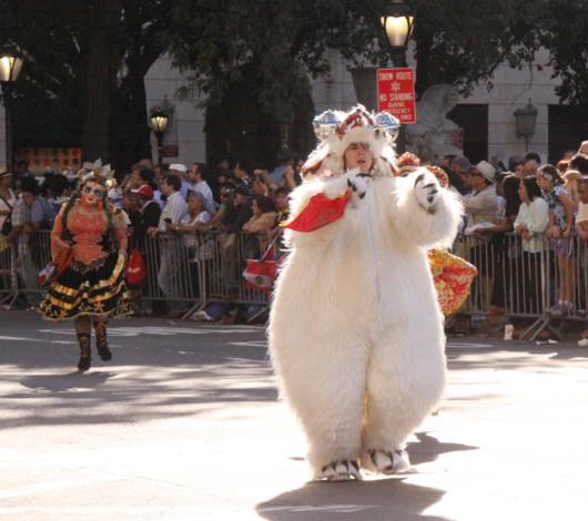 ニューヨーク・ヒスパニック・デー・パレードに遭遇_b0007805_13344585.jpg