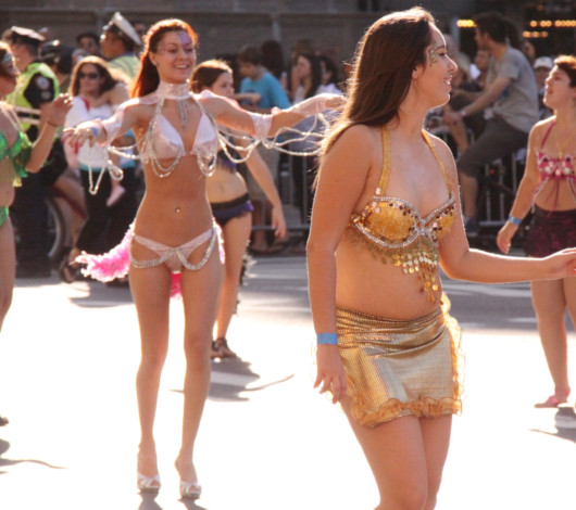 ニューヨーク・ヒスパニック・デー・パレードに遭遇_b0007805_13352239.jpg