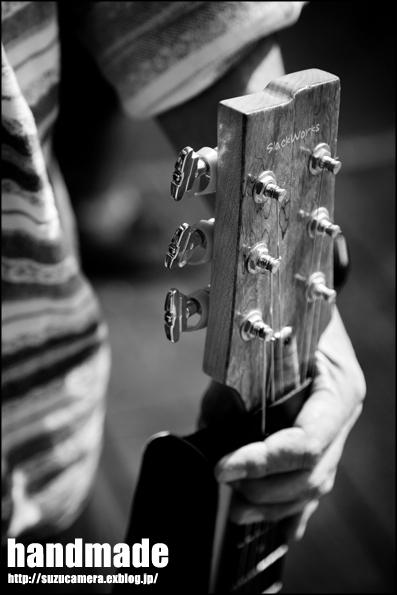お手製ギター_f0100215_0294399.jpg