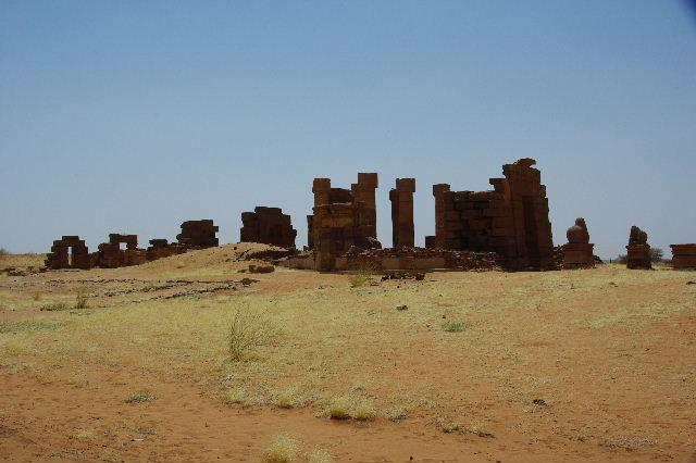 【スーダン周遊】 ナカ遺跡 (1) アモン神殿とスフィンクスの参道_c0011649_23442253.jpg