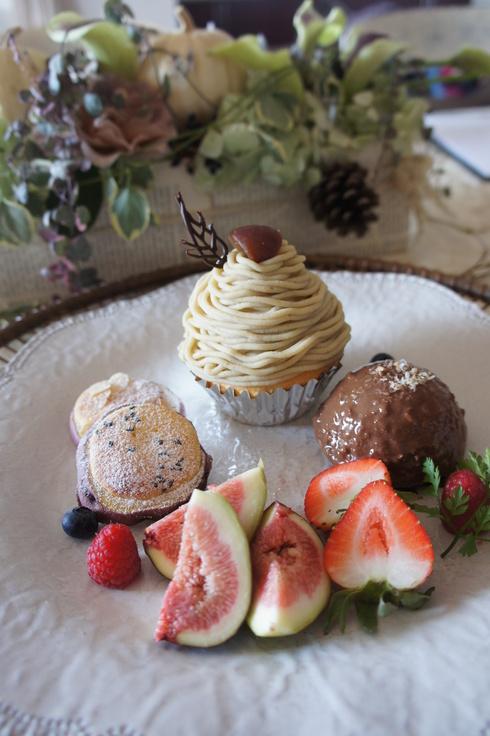 生栗からモンブラン♪ さつま芋のおやつなど秋のメニューです。_d0210450_1016188.jpg