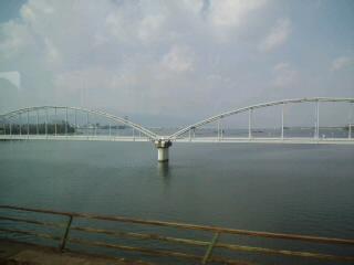 今琵琶湖!…信楽に移動しています!_d0082356_13324781.jpg