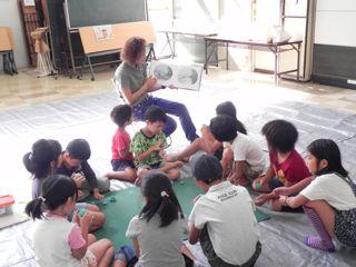 淀川図書館「絵と本〜キッズクラフト展」2011_d0076558_17114230.jpg