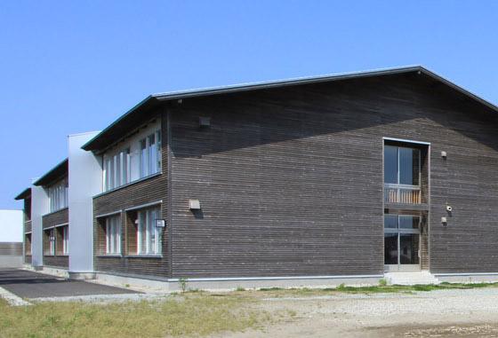 木造の学校の防火壁(第四小学校)_e0054299_13493311.jpg