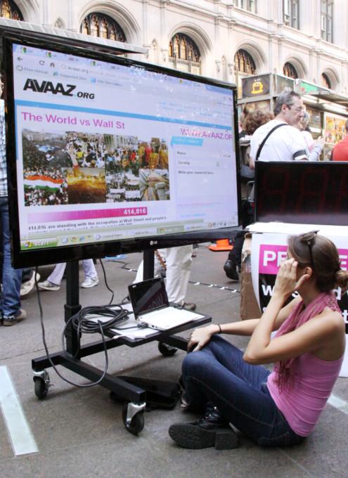 あまりメディアが伝えないニューヨークのウォール街デモの素顔_b0007805_12543589.jpg