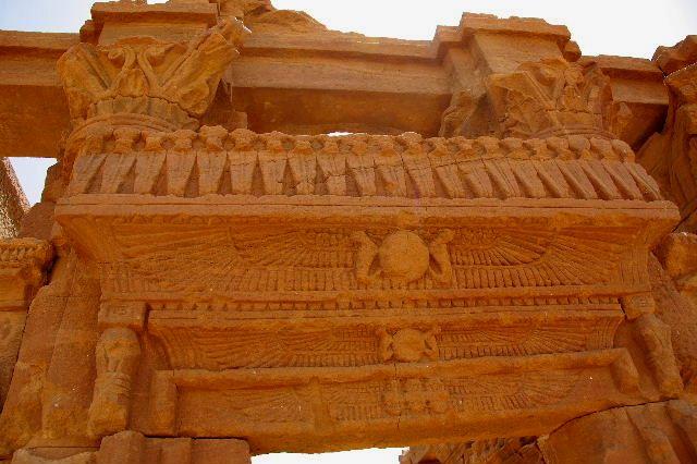 【スーダン周遊】 ナカ遺跡 (2) ライオン神殿とキオスク_c0011649_8564016.jpg