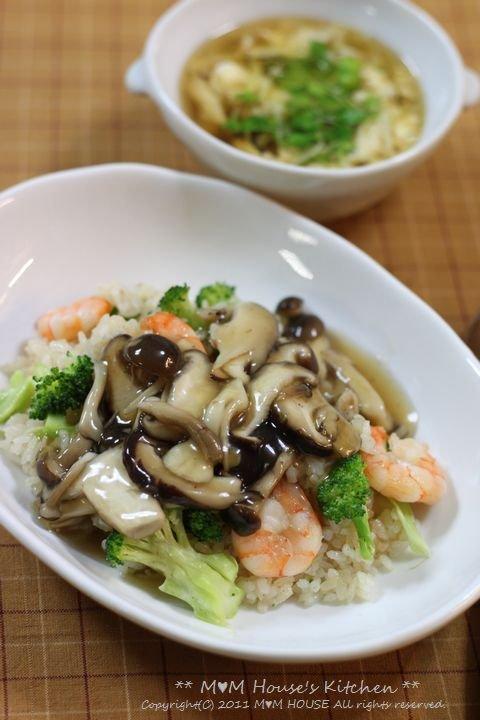 海老とブロッコリーの炒飯、きのこあんかけ♪_c0139375_15145898.jpg