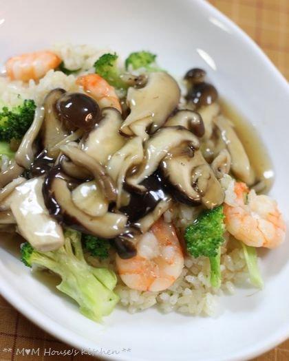 海老とブロッコリーの炒飯、きのこあんかけ♪_c0139375_15153511.jpg