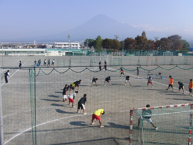 今年も晴天の下で行なわれた富士市スポーツ祭ハンドボール大会_f0141310_7485350.jpg