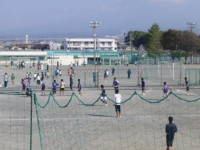 今年も晴天の下で行なわれた富士市スポーツ祭ハンドボール大会_f0141310_750253.jpg