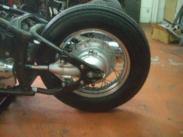 15インチなビンテージ(パターン)タイヤ装着してみました!_a0164918_11534048.jpg
