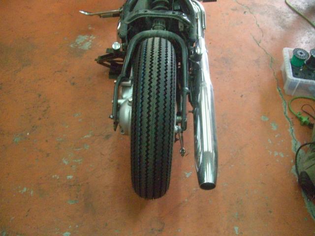15インチなビンテージ(パターン)タイヤ装着してみました!_a0164918_11534940.jpg