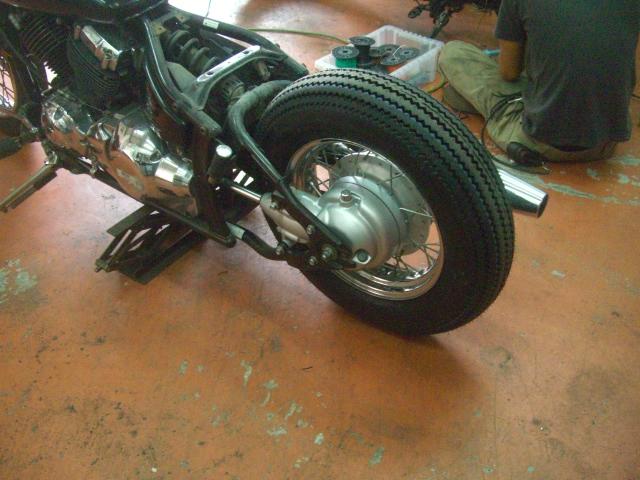 15インチなビンテージ(パターン)タイヤ装着してみました!_a0164918_11535894.jpg