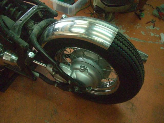 15インチなビンテージ(パターン)タイヤ装着してみました!_a0164918_1203778.jpg