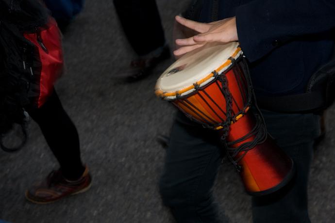 ▼怒りのドラムたちが街に残していったもの_d0017381_2335373.jpg