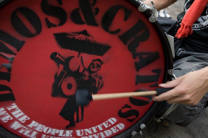 ▼怒りのドラムたちが街に残していったもの_d0017381_23355419.jpg