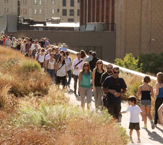 秋というより夏っぽいニューヨークの空中公園ハイラインを散歩_b0007805_22324756.jpg
