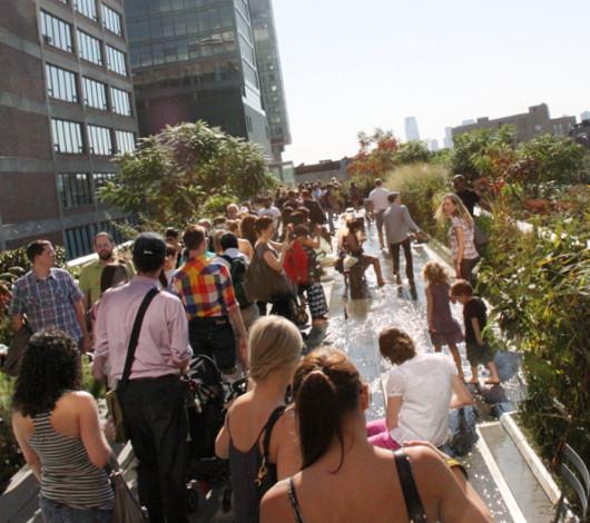 秋というより夏っぽいニューヨークの空中公園ハイラインを散歩_b0007805_22333072.jpg