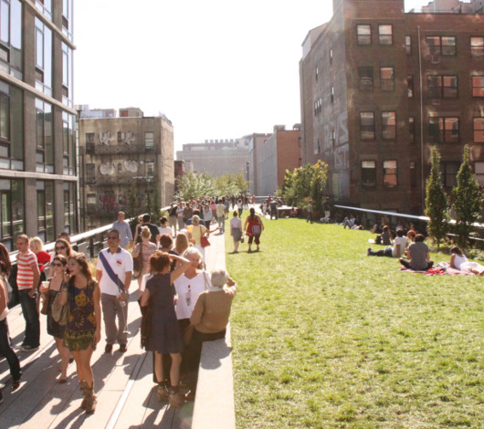 秋というより夏っぽいニューヨークの空中公園ハイラインを散歩_b0007805_22353371.jpg