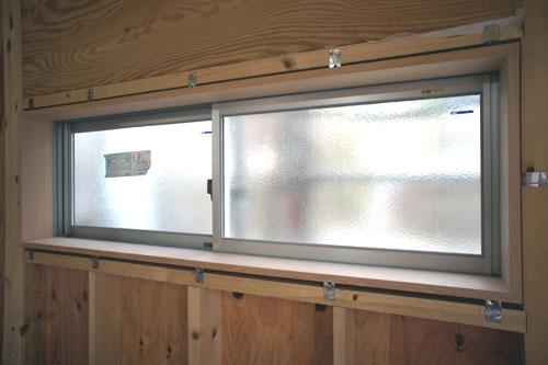 無垢材の窓枠_b0155675_18253329.jpg