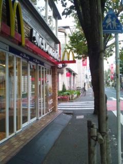 お店までの道順~遠回りルート(中央北口改札口より)_d0191211_18575186.jpg