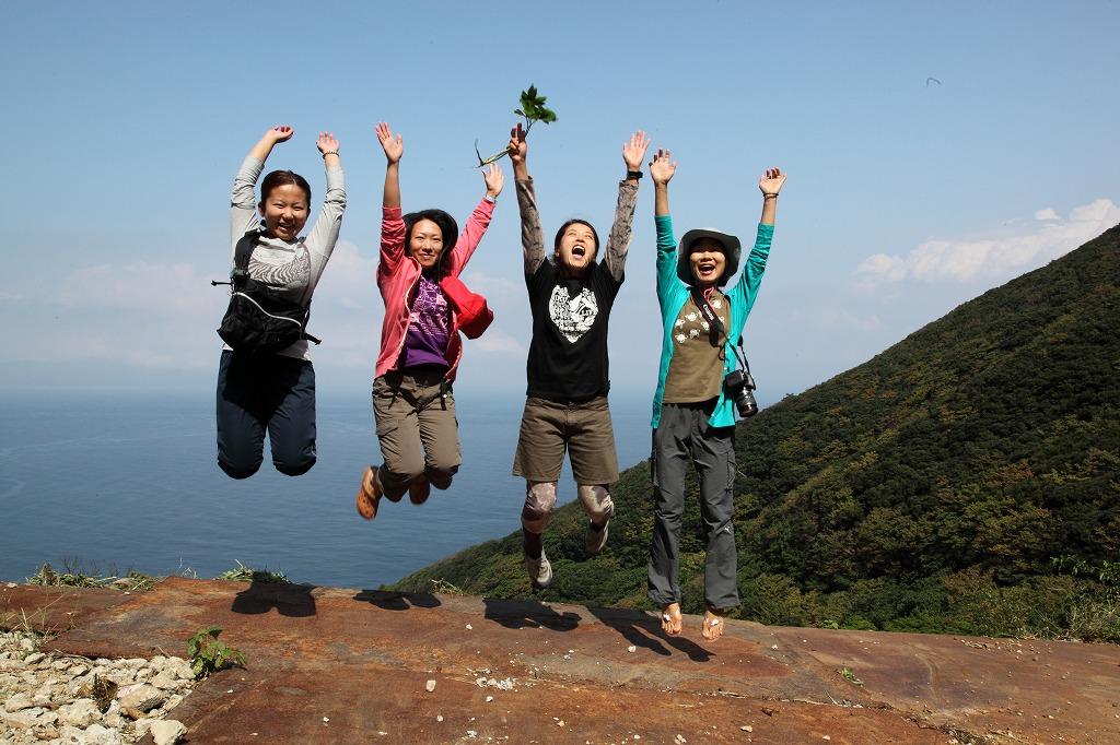 新婚旅行は御蔵島_e0105376_1562685.jpg