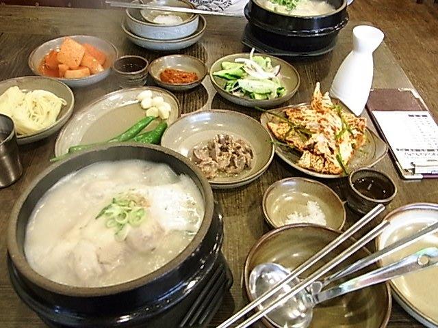 東莱サムゲタン 釜山 レストラン 参鶏湯_e0141982_1965344.jpg