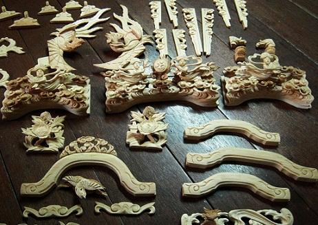 金沢仏壇の制作 その4 箔彫り師 2011.10.14  _c0213599_0495783.jpg