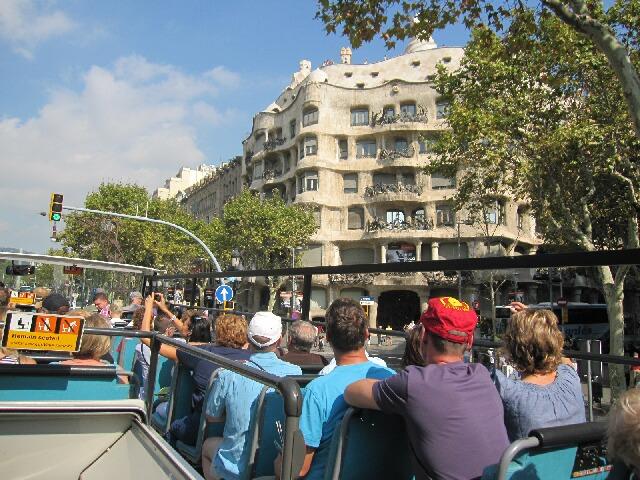 観光地へはツーリストバスに乗って♪①サグラダ・ファミリア_d0133225_1933512.jpg