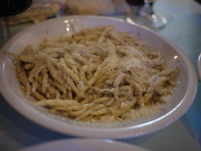 チヴィタでのランチ 2011年イタリア旅行記13_f0134268_17144118.jpg