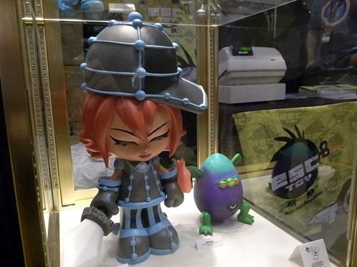 NYCC 2011/ESCのコミコン限定レジン・フィギュアすべて完売。_a0077842_1533375.jpg