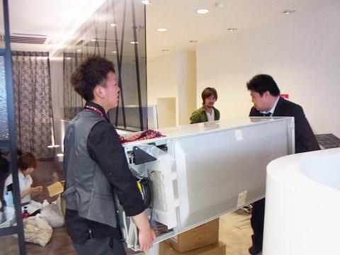 【奈良店】リニューアル改装中 荷物の搬入しています。_c0080367_15475359.jpg