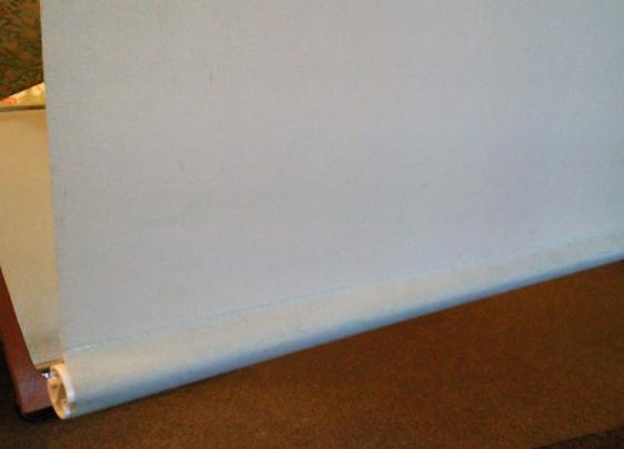 ウォッシャブルタイプのロールスクリーンをクリーニング。_c0157866_19324788.jpg